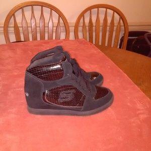 "Sketchers High heeled sneaker SKCH+3 Blk 3"" 8B"
